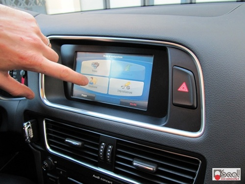 Audi Q5 8R navigatore touchscreen
