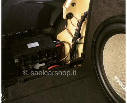 Audi A4 8K hi fi