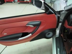 Porsche-Boxster-pannello-con-woofer