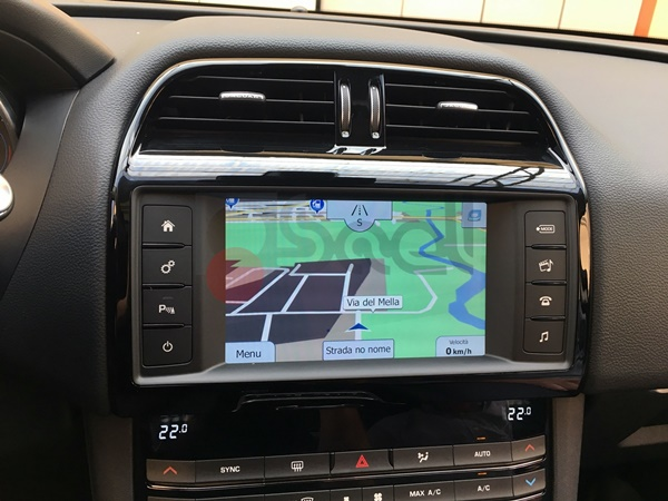 jaguar f-pace navigatore